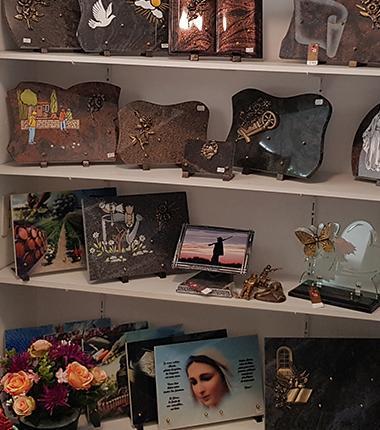 Plaques mortuaires en vente à Puisserguier (34)
